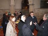 Паломники в церкви Сен-Лё-Сен-Жиль, где находятся мощи святой царицы Елены