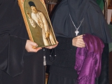 Игумения Коломба преподнесла матушке Нике икону преп. Серафима
