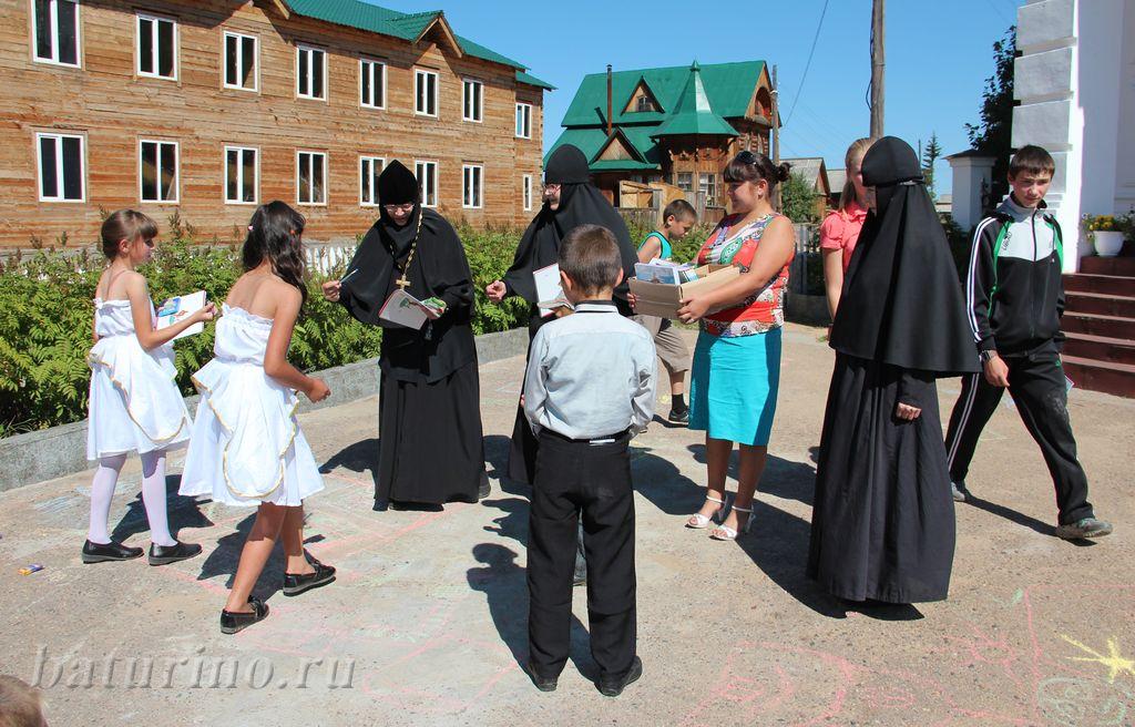 Перед школой в монастырь