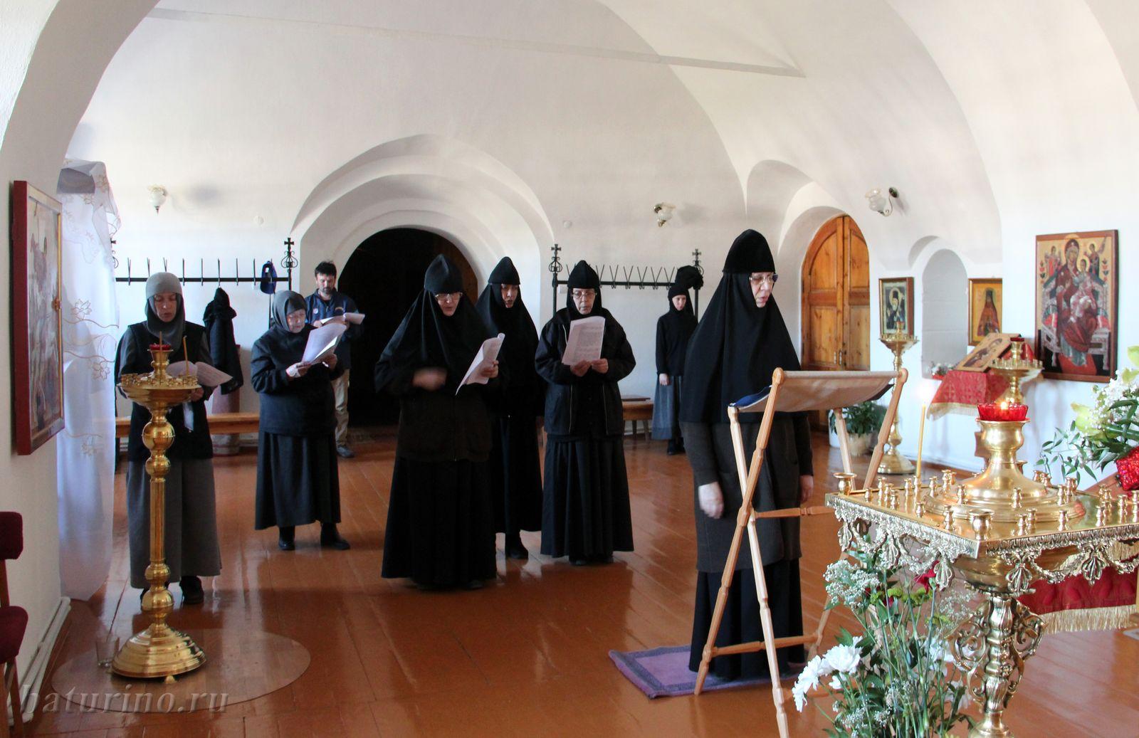 В обители молятся о мире